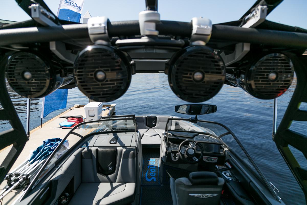 R1 8 Inch Tower Speakers - Roswell Marine